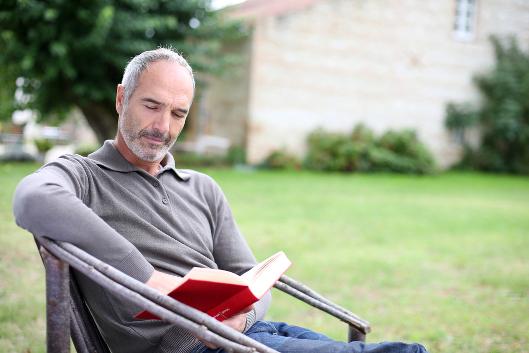 Bücher bewahren die Tradition eines Unternehmens, zum Beispiel mit einer Unternehmensgeschichte oder der Biografie des Unternehmers